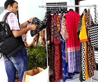 Buyers' checking out Dhaaga products